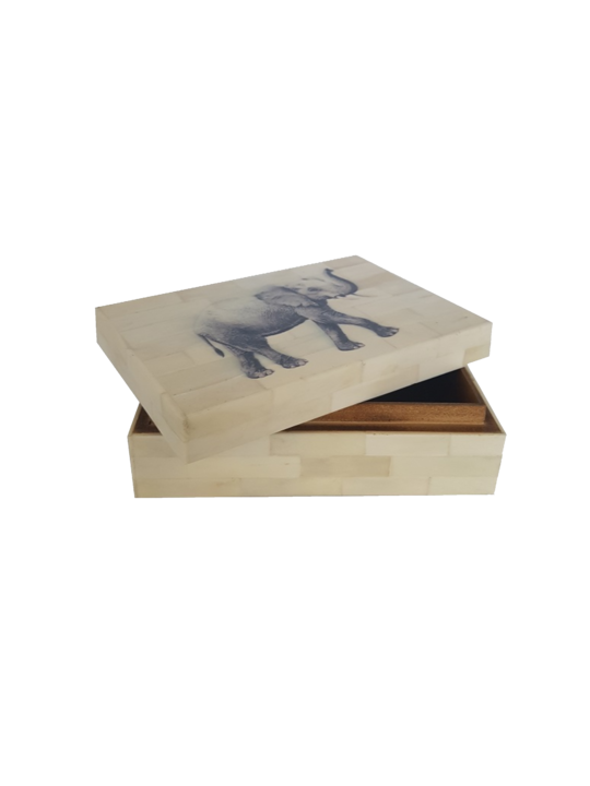 *WHITE RESIN BOX WITH ELEPHANT PRINT LID 10X15X5CM