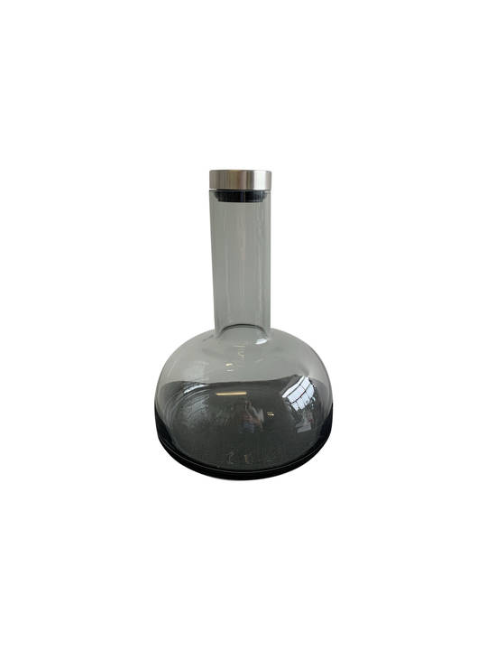 SMOKEY BLACK WATER DECANTER WITH STOPPER