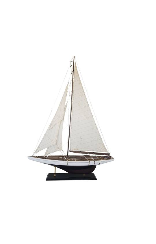 MODEL SAILING YACHT LARGE
