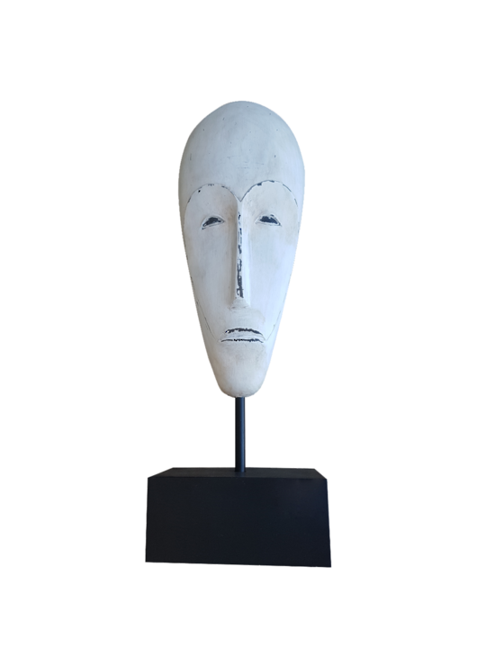 *RESIN AFRICAN MASK ON MUSEUM STAND CREAM