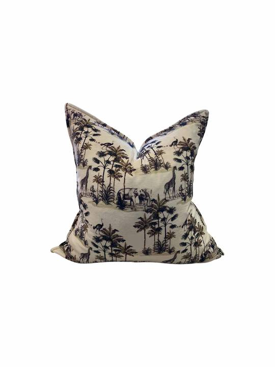 WILD ROAMING ANIMALS CUSHION COVER