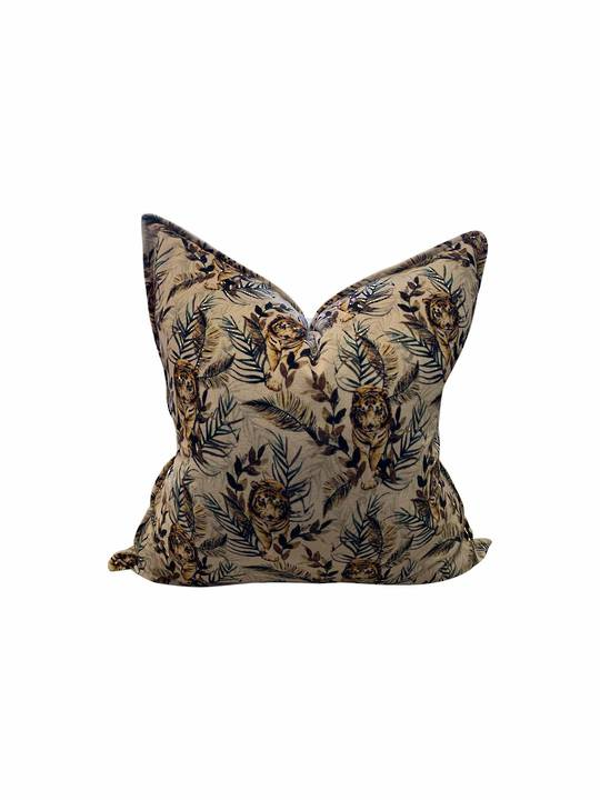 WILD TIGER PROWLING CUSHION COVER