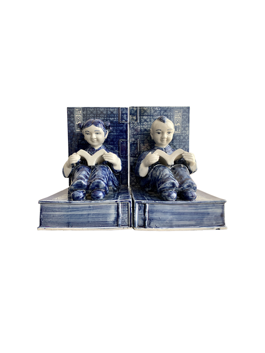 BLUE & WHITE FIGURINE BOOKENDS 2/SET