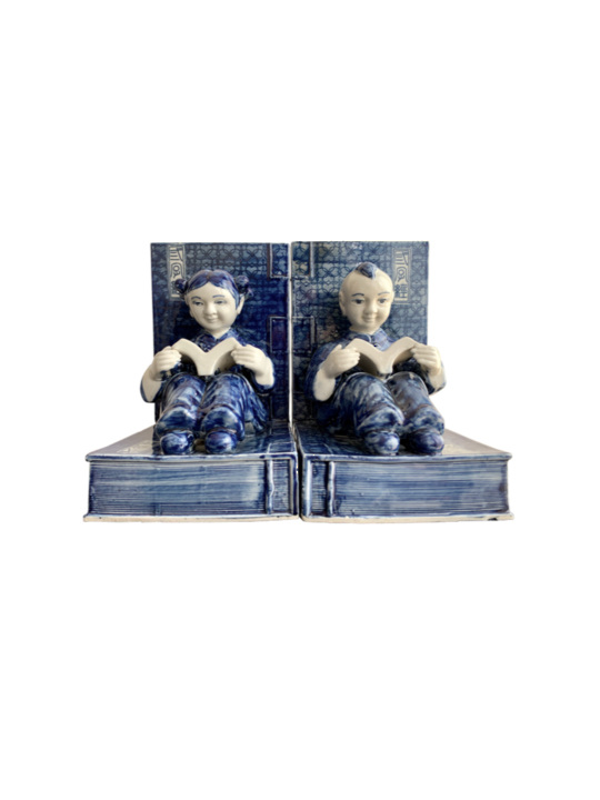 BLUE & WHITE FIURINE BOOKENDS 2/SET