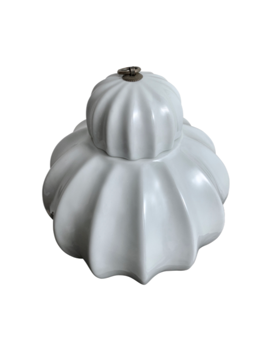 RIBBED WHITE POT WITH METAL RING ON LID