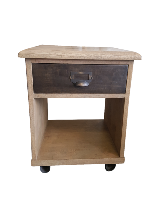 *CHICAGO SIDE TABLE MANGO IRON BR