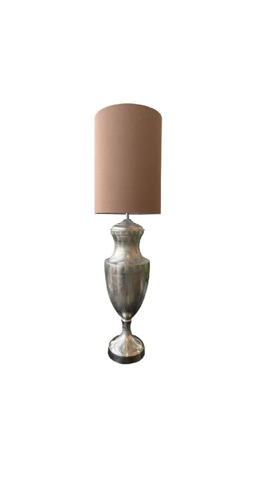 URN LAMP W/SHADE