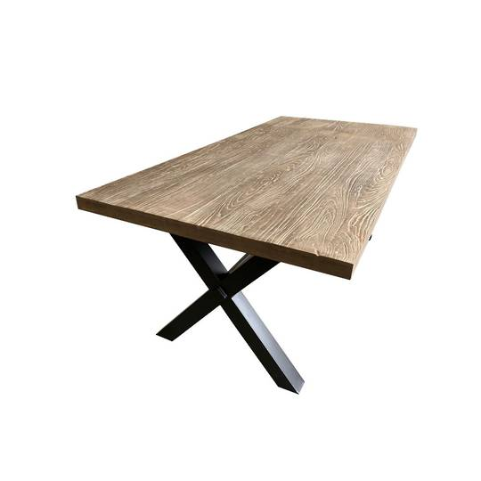 OUTDOOR TABLE CROSS LEGGED