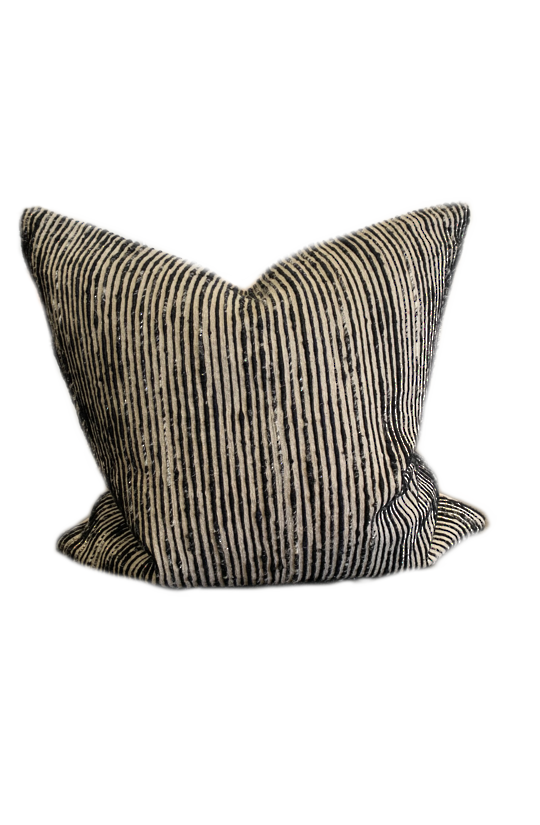*PILLOW LOLOI P0242 BLACK/MULTI - COVER ONLY