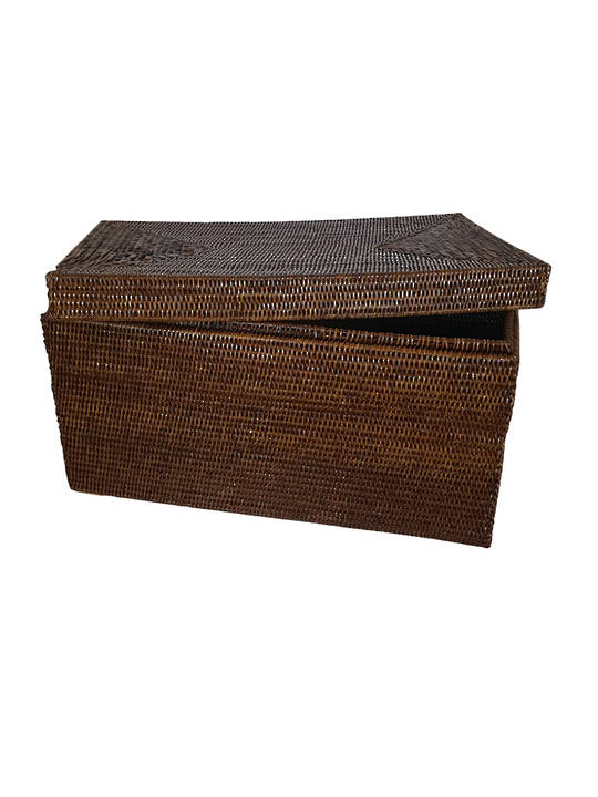 LARGE TRUNK WITH LID