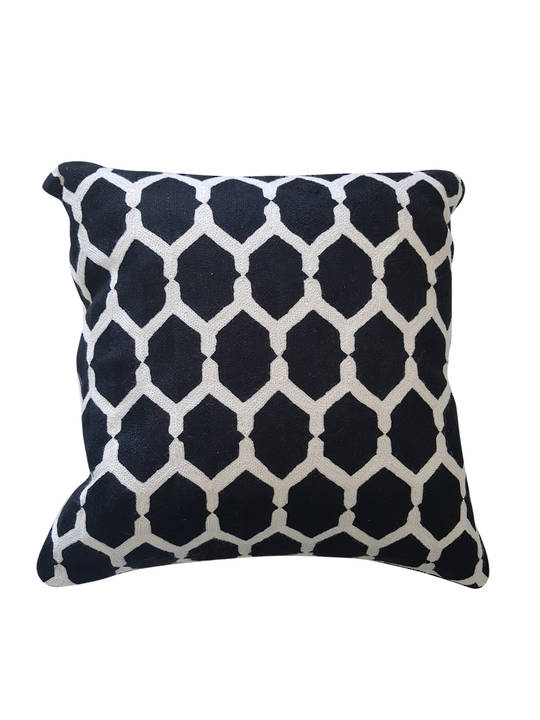 CUSHION COVER BLACK/WHITE CHAIN
