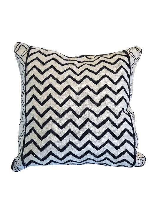 CUSHION COVER BLACK/WHITE  WAVES