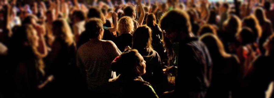 Crowd heads-532-247-438