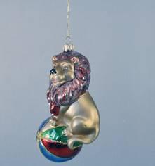 GLASS LION ON BALL (12)