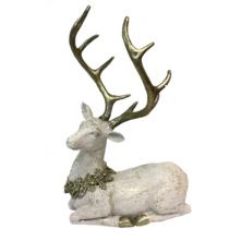 CREAM / CHAMPAGNE RESIN LAYING DEER