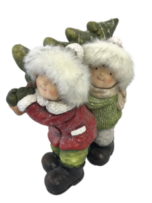 RED/GREEN KIDS CARRYING TREE