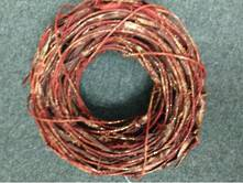 35CMD RED RATTAN WREATH
