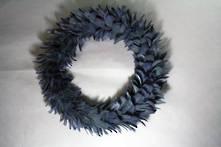 58CMD BLUE/GREY FEATHER WREATH