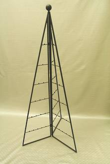 150CMH METAL TRIANGULAR FOLDABLE TREE