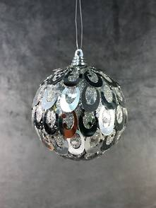 SILVER OVAL SEQUIN BALL HANGER (12)