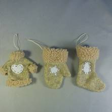 DOZEN 3ASST KNITTED MITTENS/ STOCKING/SHIRT
