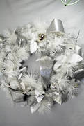 WHITE SILVER DRESSED WREATH