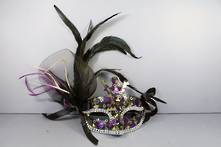 COLOURFUL AND BLACK SEQUIN MASK WITH FEATHERS