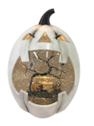 WHITE PUMPKIN BLOWING SNOWGLOBE