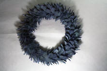 58CMD BLUE/GREY FEATHER WREATH