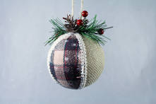 NATURAL AND TARTAN HANGING BALL (12)