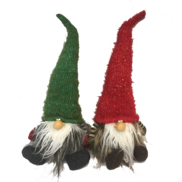42CMH, PAIR SITTING RED AND GREEN HATTED GONKS