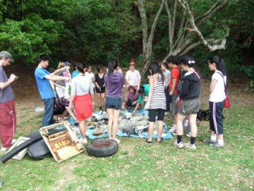 Beach cleanup 2(copy)