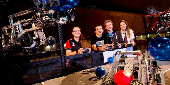 herald photo of robotics(copy)