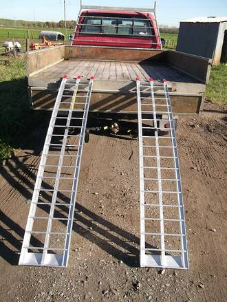 """712 USA Aluminium Ramps (Pair) Arched. Total Capacity 680Kg. Each Ramp:2.235M (7Ft) Long X 300mm (12"""") Wide"""