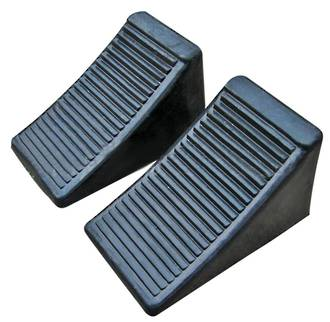 HU0002X2 Rubber Wheel Chock with Steel Eyebolt 104mm High Pair