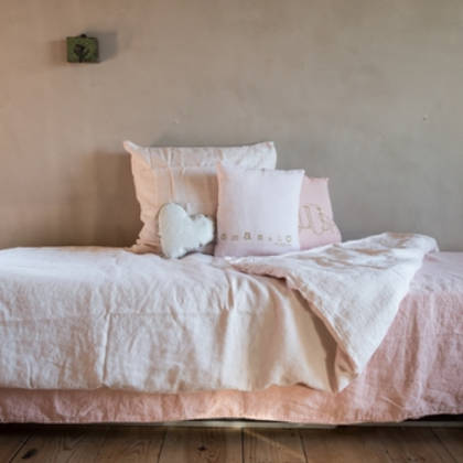 Bed & Philosophy pure linen Molly Cushion in Blush (due instore April)