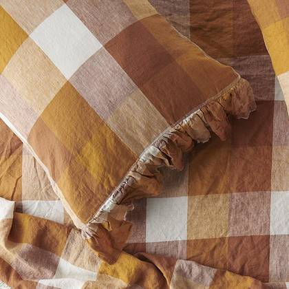 Biscuit Ruffle standard Pillowcase - set of 2