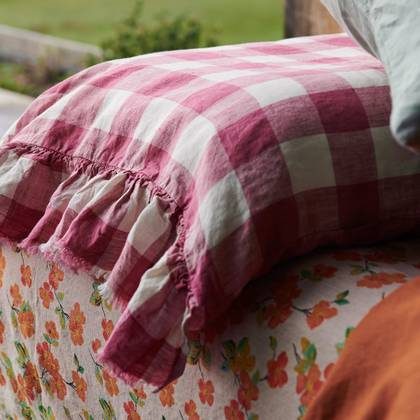 Fuchsia Gingham standard Ruffle Pillowcase - set of 2