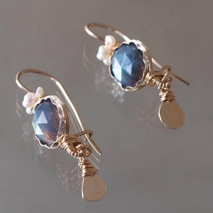 Earrings Crown labradorite, pearls - n° 136