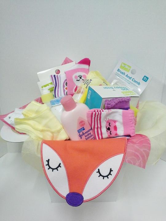 It's a girl giftbasket