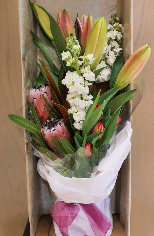 Traditional Boxed Blooms