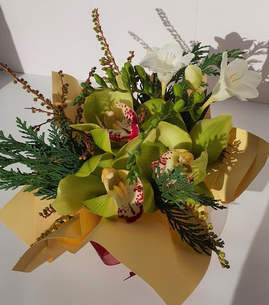Orchid Posy
