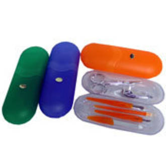 Manicure Set - Plastic Case