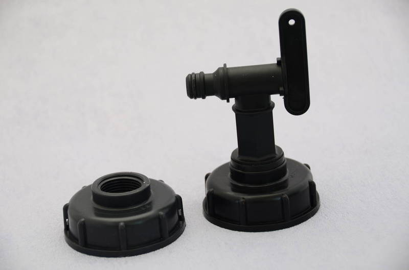 IBC coarse thread cap with step and tap
