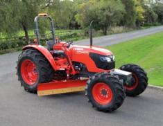 Kubota M7040 Tractor Grader