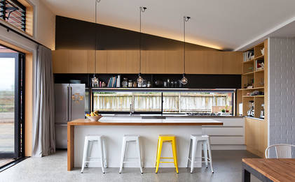 Timber Adds Style in Family Kitchen