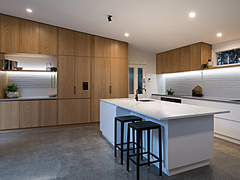 THUMB-neo-design-designer-kitchen-auckland-renovation-devonport-oak-veneer-trendstone
