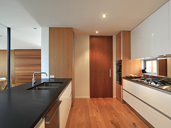 THUMB kitchen-neo-design-1970s-modern-american-oak-westmere
