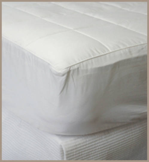 Bianca Lorenne - Silk Filled Mattress Underlay / Topper
