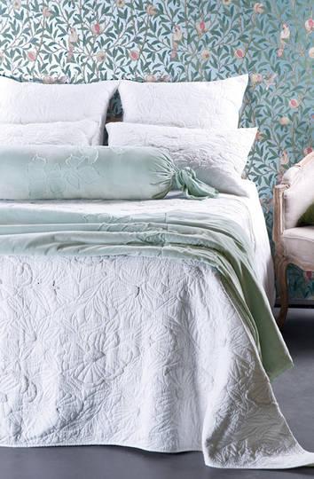 Bianca Lorenne - Magnolia White Bedspread / Pillowcase/Eurocase
